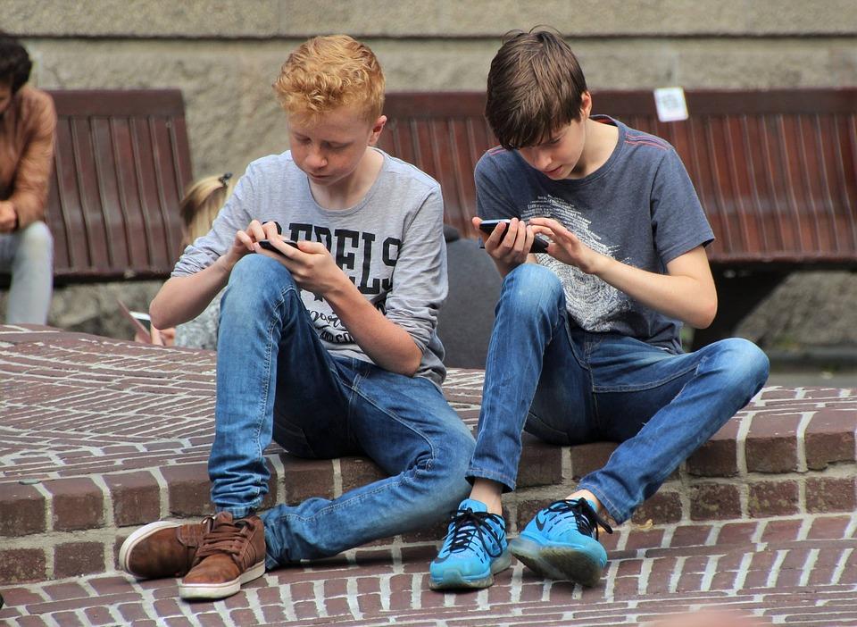 Pokemon, Pokemon Go, Phone, Game, Internet, Friends
