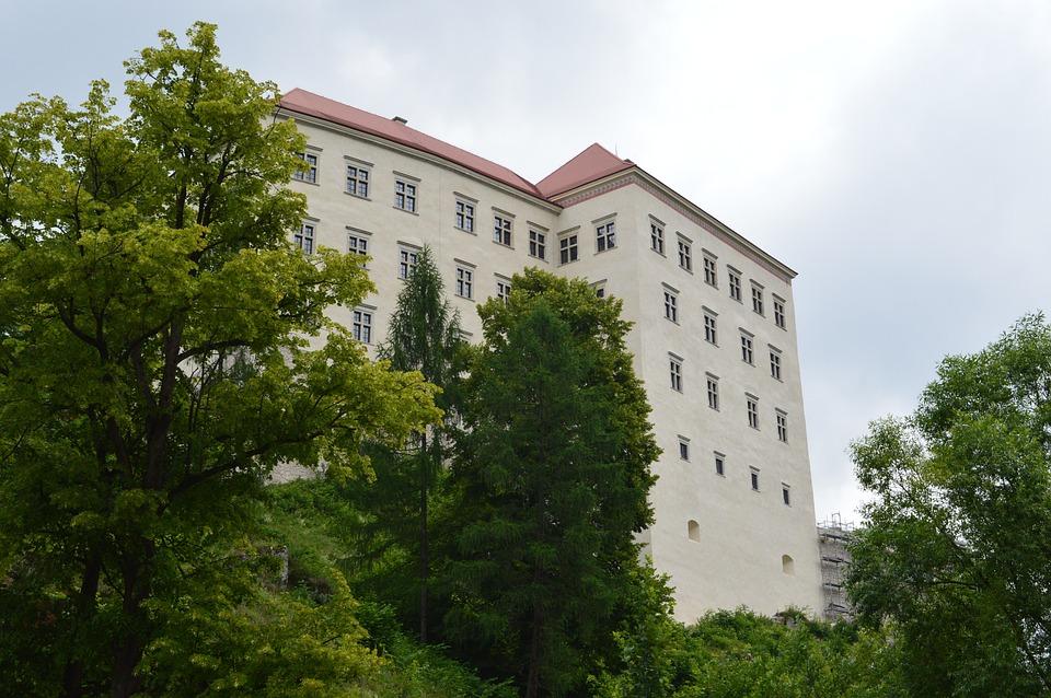 Pieskowa Skała Castle, Poland, Hercules's Mace, Rock
