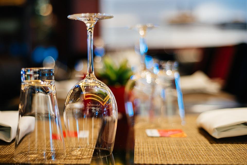 Glasses, Table, Restaurant, Dinner, Neat, Polished