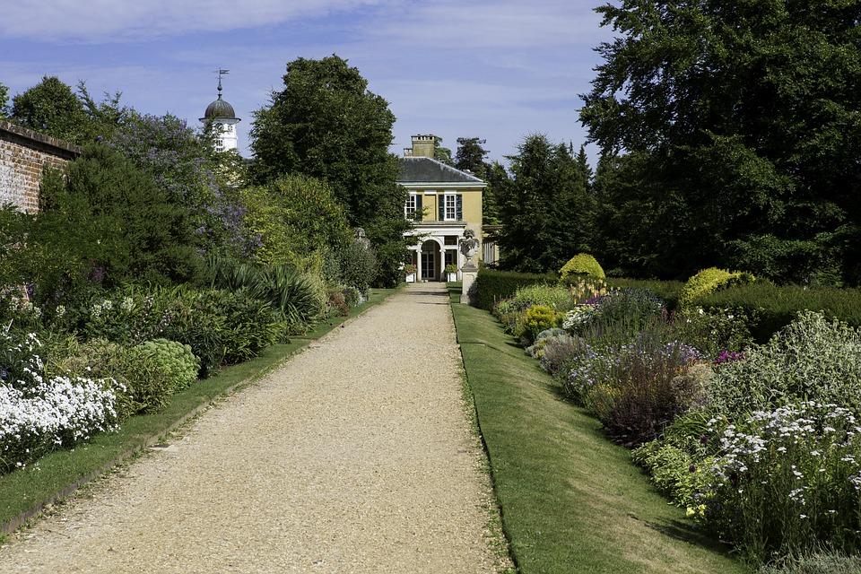 Polsden Lacey, Garden, Herbaceous Border, Gravel Path