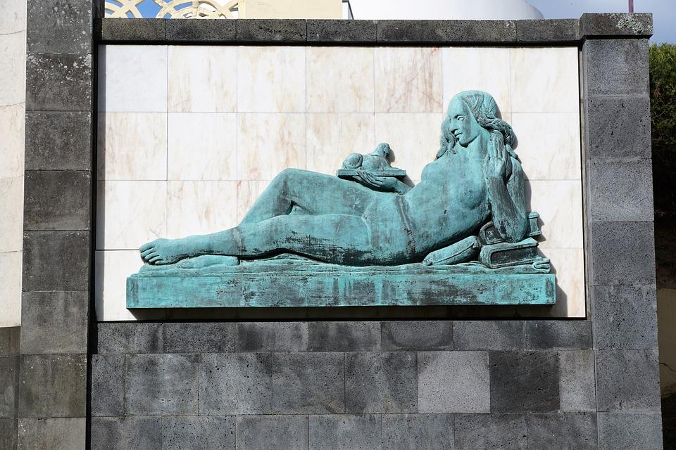 Ponta Delgada, Fig, Statue