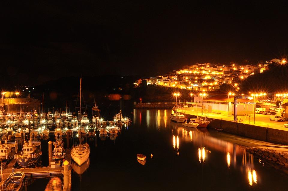 Ballasts, Port, Night, Pequero