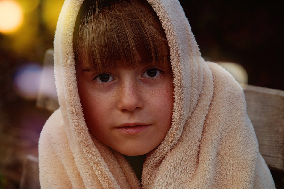 Child, Girl, Face, Portrait, View, Blanket, Bank, Night
