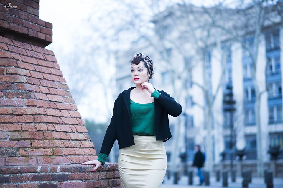 Outdoors, Urban Space, People, Women, Pinup, Portrait