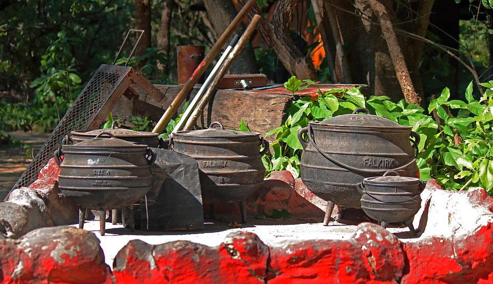 Iron Cooking Pots, Pots, Three Legged, Iron, Cast Iron