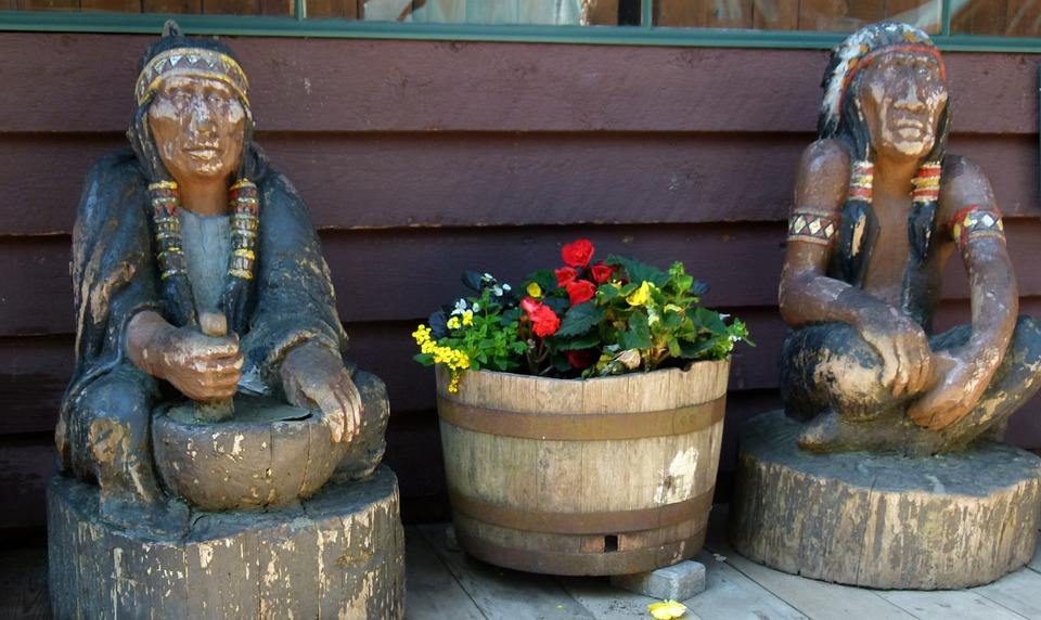 Native, Carvings, Indians, American, Potted, Plants