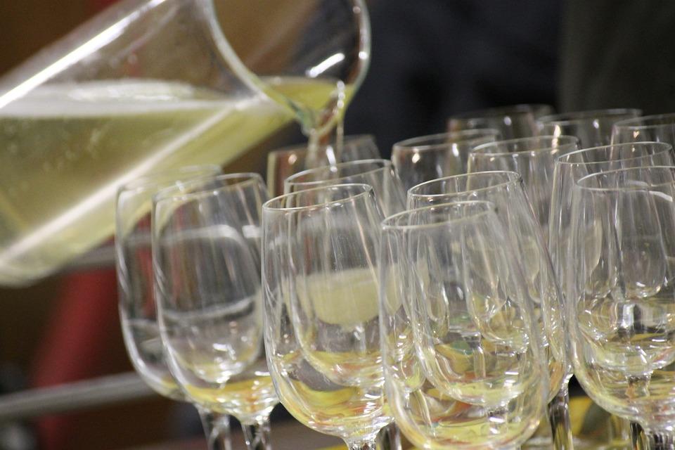 Aperitif, Wine, Pour