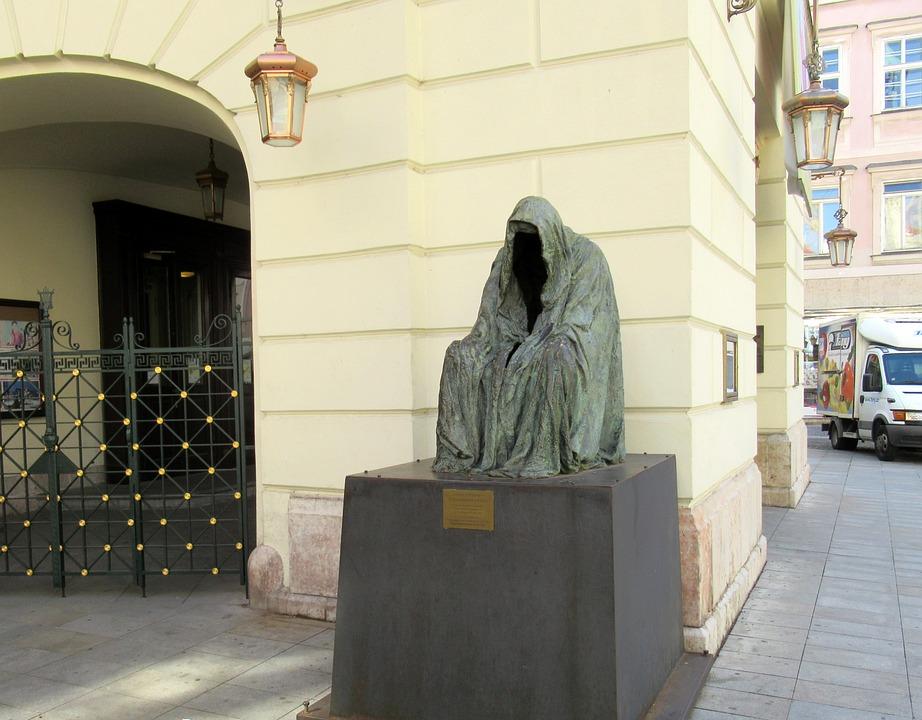 Prague, Theatre, Statue