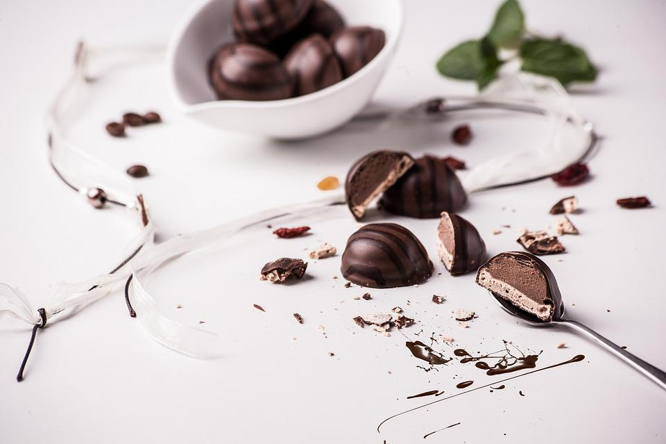 Praline, Dessert, Chocolate, Painting, Calories, Sweet