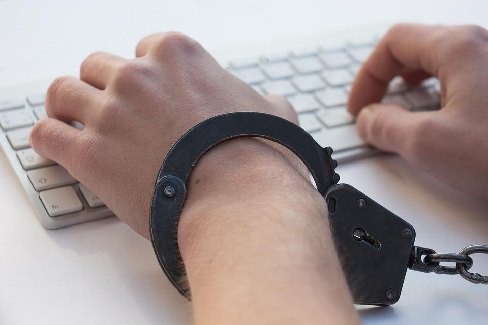 Igromania, Game Addiction, Handcuffs, Game, Programming