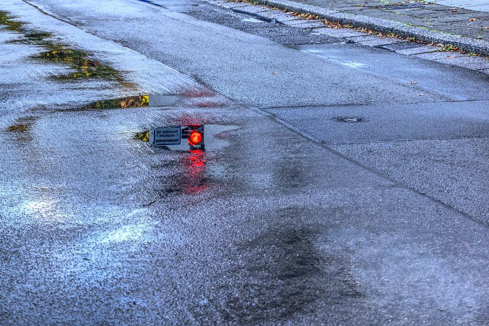 Traffic Lights, Mirroring, Reflection, Puddle, Water