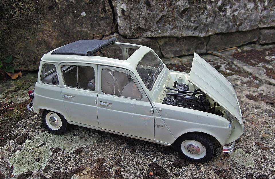 Free photo R4 Model Renault Miniature Retro Car - Max Pixel