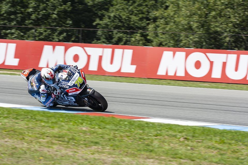 Free photo Race Tires Speed Motorsport Racing Motorcycle