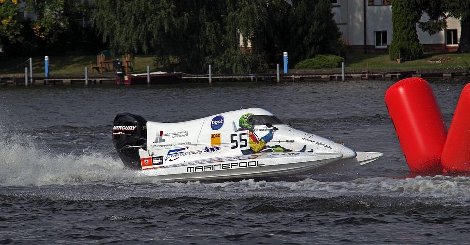 Motor Racing Boat Race