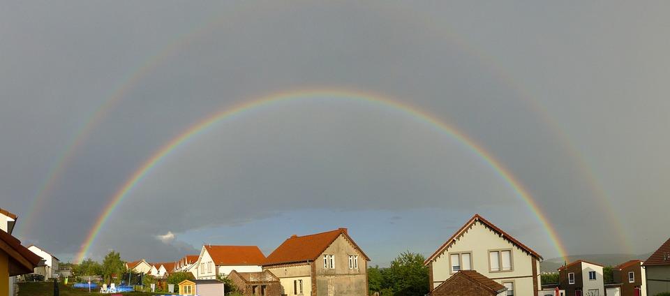 Rainbow, Complete, Houses
