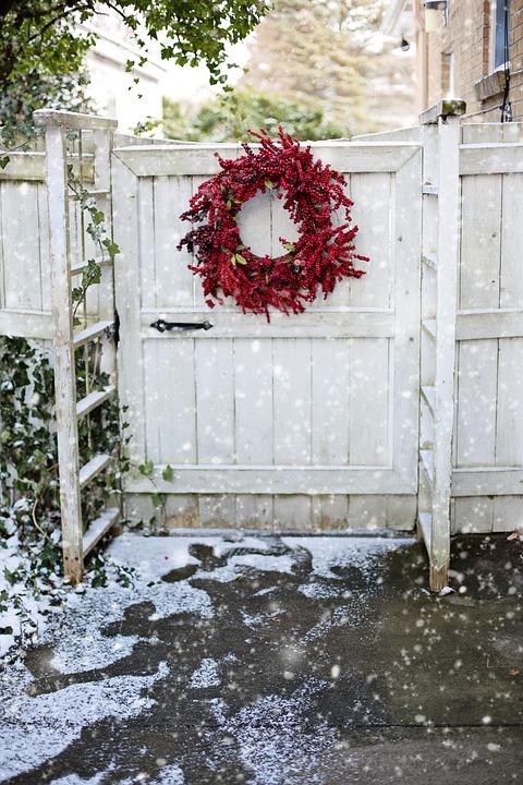 Wreath, Christmas, Red Berries, Gate, White Gate