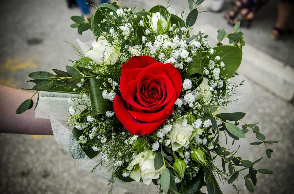 Free photo Red Blossom Rose Flowers Flower Bouquet Beautiful - Max Pixel