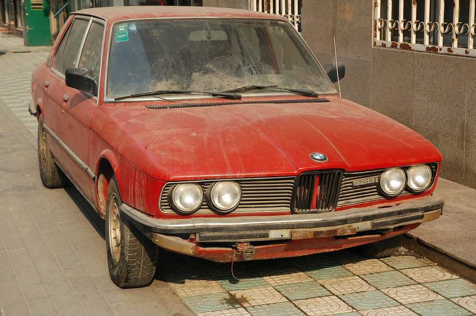Free photo Red Clunker Bmw Auto Car Junker Old Junk Rusty - Max Pixel