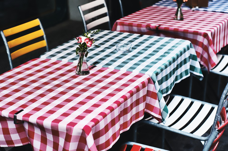 Table, Restaurant, Tile, Tablecloth, Green, Red