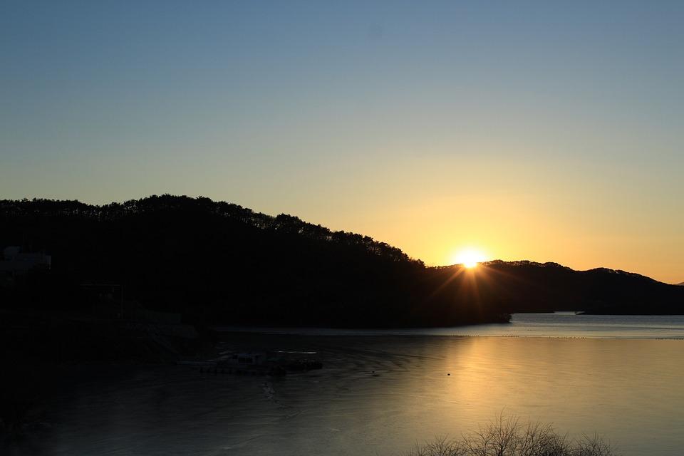 Sunset, Sun, Beams, Glow, Lake, Reflection, Mountains
