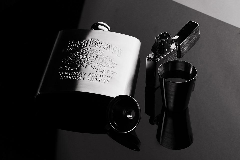 Whiskey, Reflector, Alcohol, Flagon, Ji Muliang