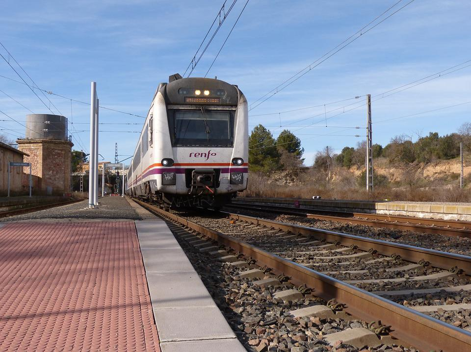 Train, Via, Station, The Train Arrives, Renfe, Railway