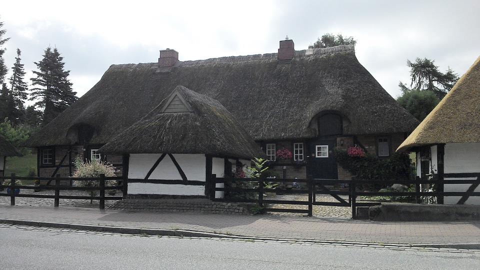 House, Reed Roof, Rural, Roof, Plön, Residence