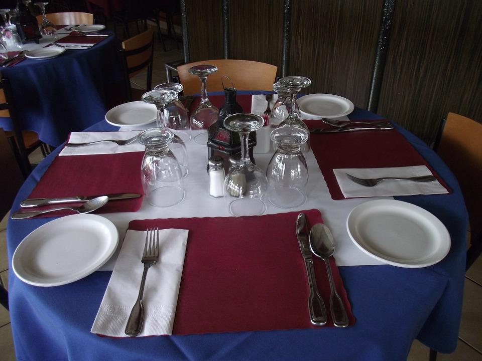 Restaurant Table, Dining Table, Table Setting