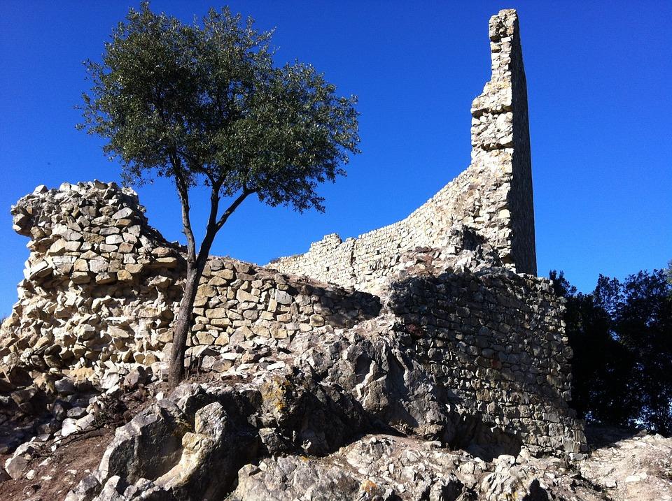 Catalonia, Castel, Rests