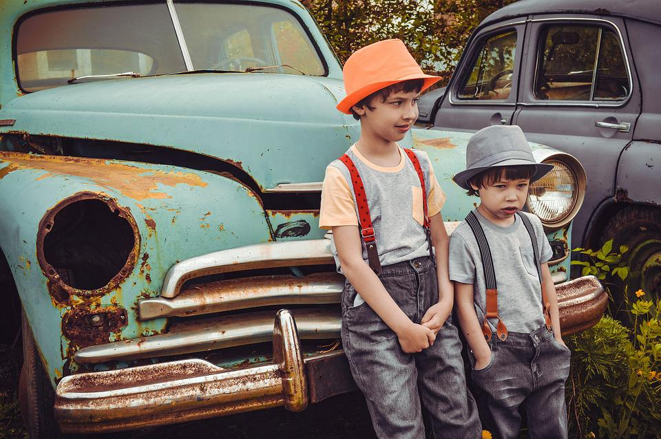 Old Cars, Retro-car, Kids, Boys, Urchins, Bullies, Dump