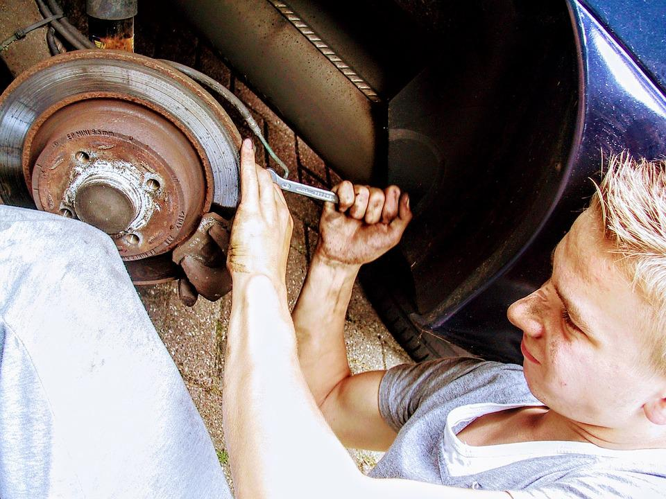Car Mechanic, Disc Brake, Revision, Mount, Assembly