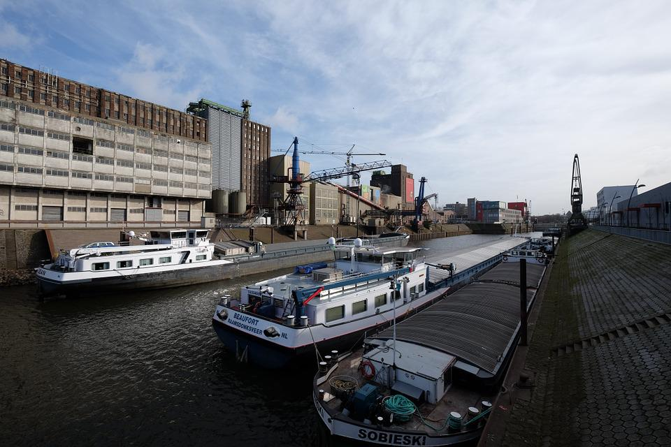 Neuss, Port, Rhine