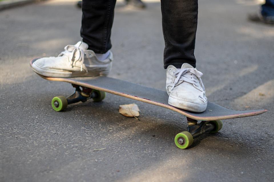 Skateboard, Rider, Wheels, White, Shoes
