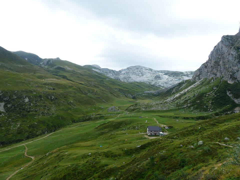 Rifugio Mondovì, Rifugio Garelli, Alpine Hut