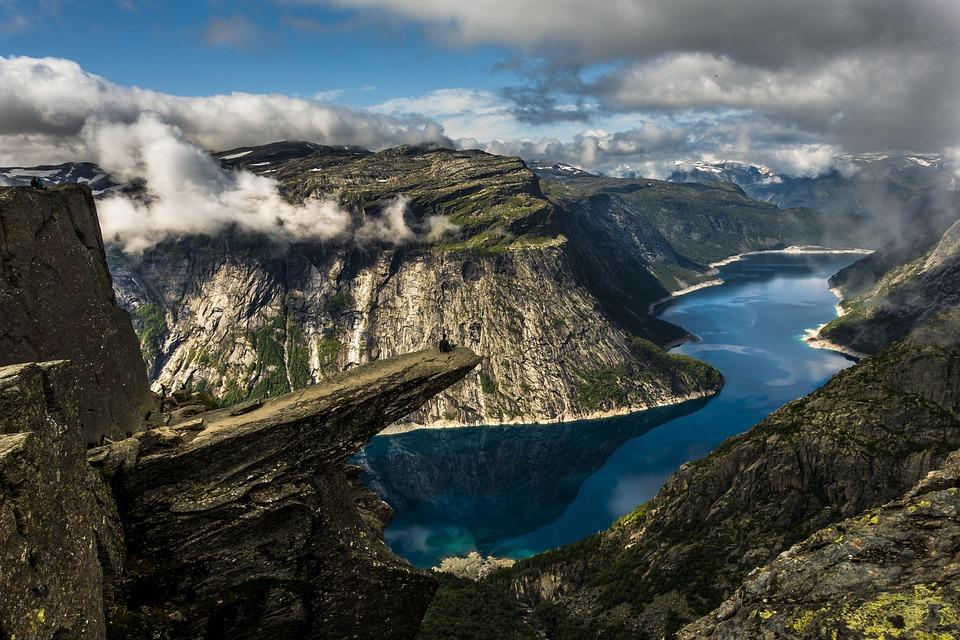 Water, Trolltunga, Ringedalsvannet, Norway, Mountain