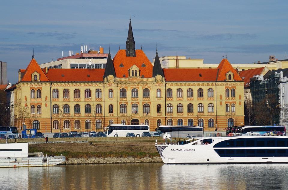 Bratislava, Danube, Slovakia, Castle, River, Ship