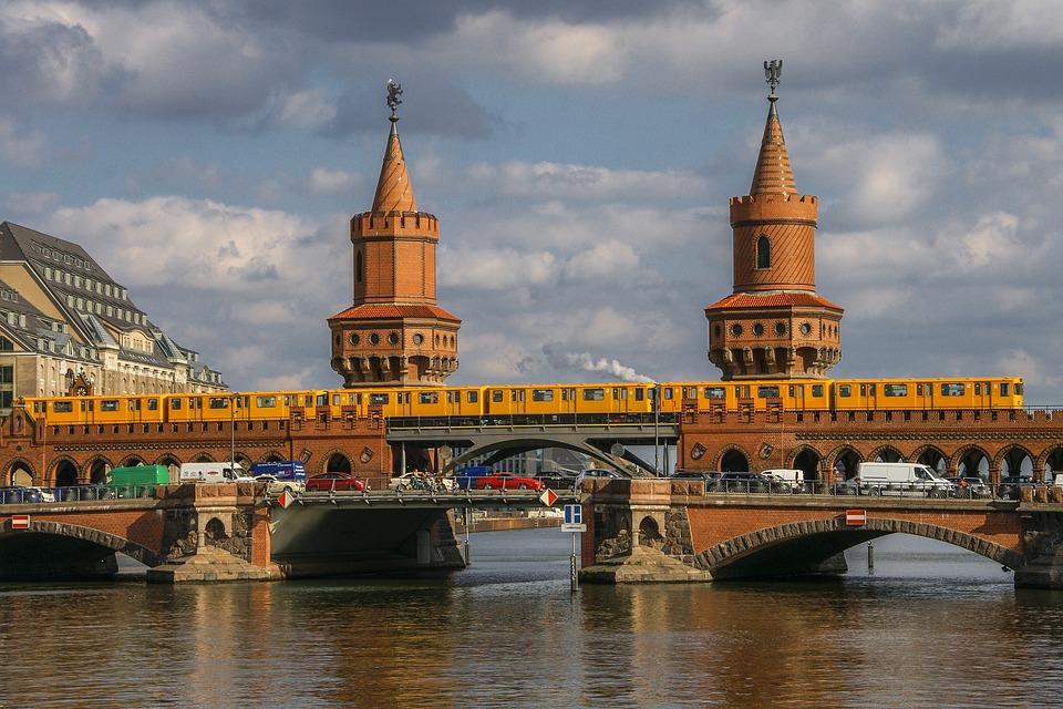 Berlin, Spree, Oberbaumbrücke, Sky, Metro, River