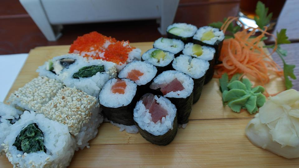 Sushi, Japanese, Asia, Food, Raw, Sashimi, Frisch, Roll