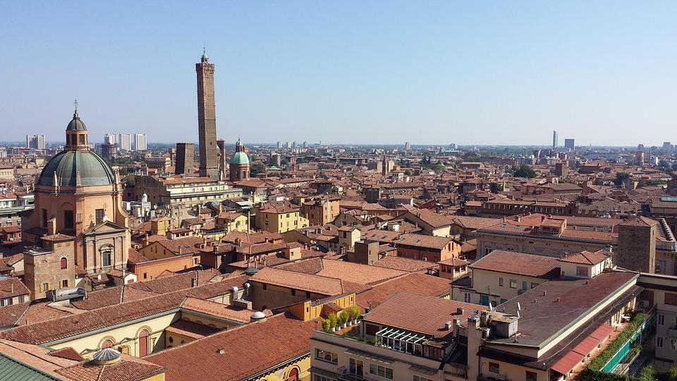 Bologna, Roofs, Overview