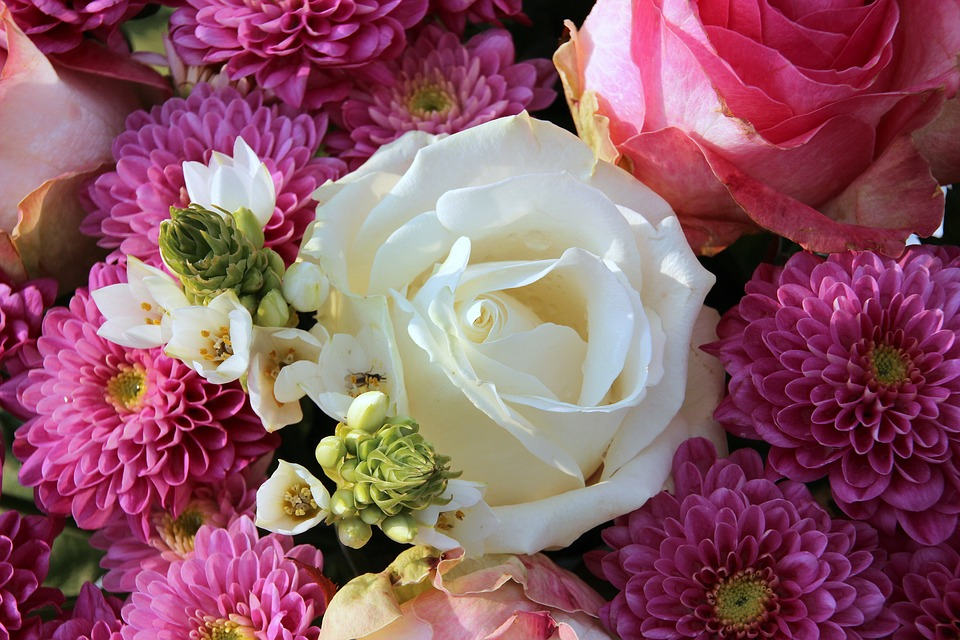 Bouquet White Rose Flowers Roses Lush Pink