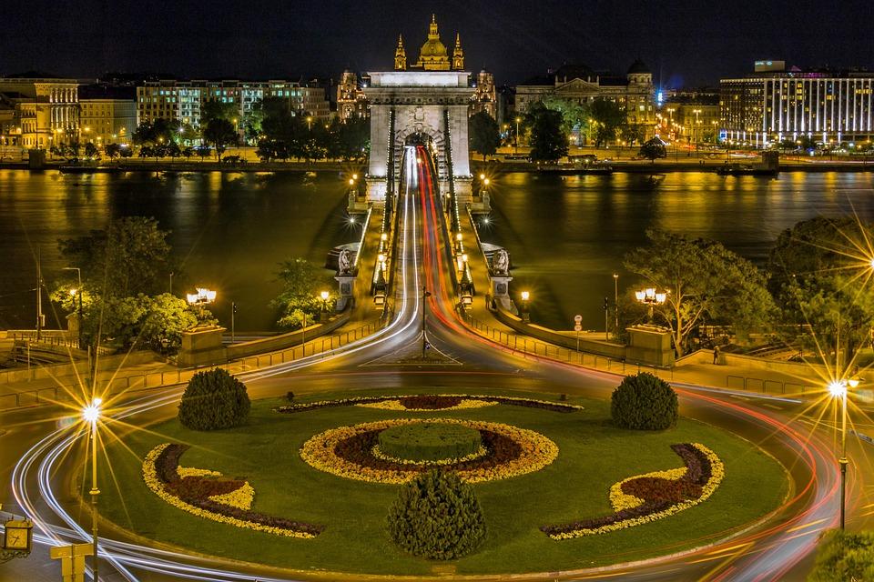 Chain Bridge, Budapest, Roundabout, Hungary, Bridge