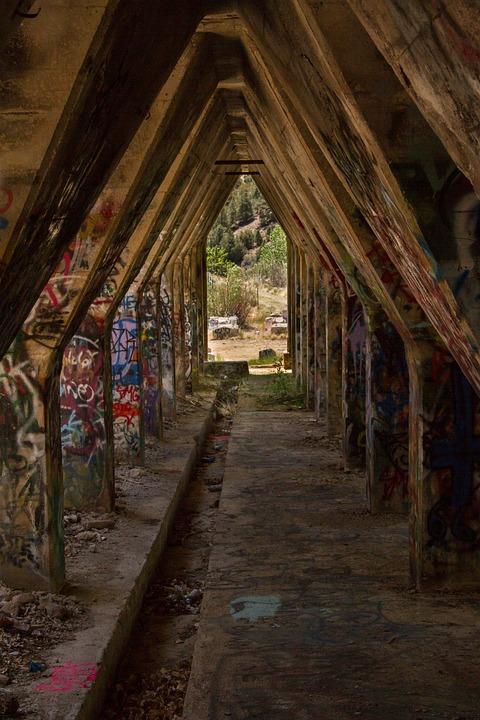 Graffiti, Ruin, Old, Abandoned, Hallway, Deserted