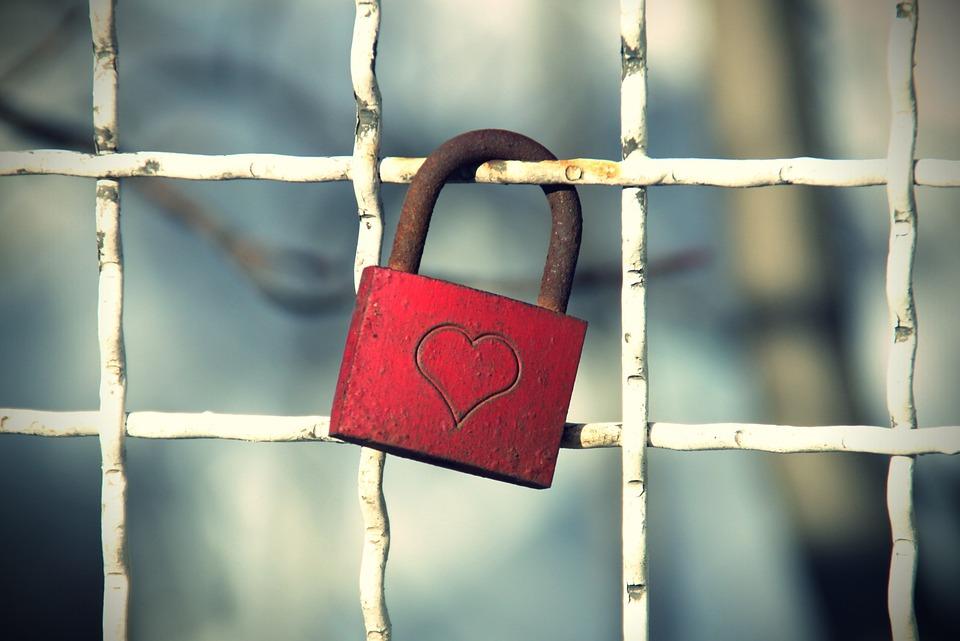 Castle, Heart, Love Symbol, Rusty, Rust, Love, Feelings