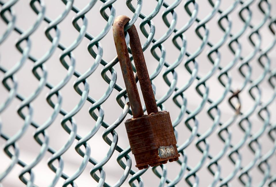 Free photo Rusty Security Chain Lock Fence Wire - Max Pixel