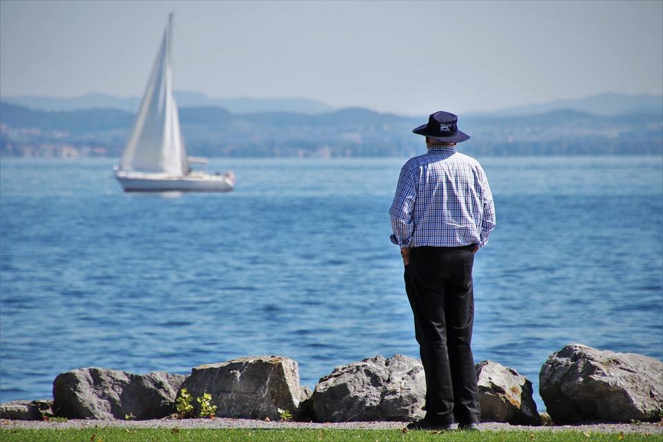 Lake, Sailboat, Senior, Sailing, It, Looks, Beach
