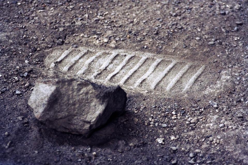Shoe Print, Moon, Surface, Scree, Stone, Sand, Dust