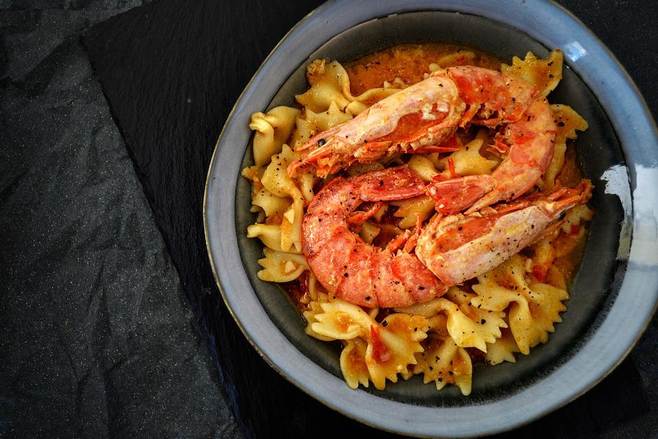 Pasta, Shrimps, Prawns, Tomato, Sauce, Plated