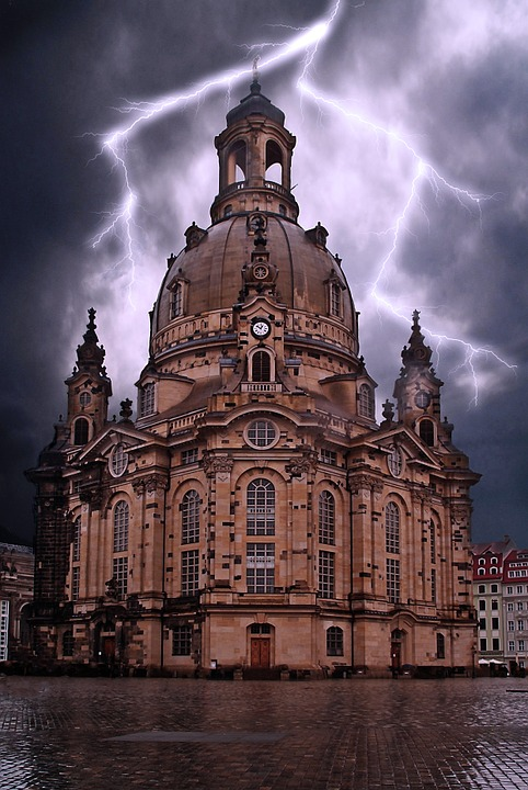 Germany, Saxony, Dresden, Frauenkirche, Flash, Thunder