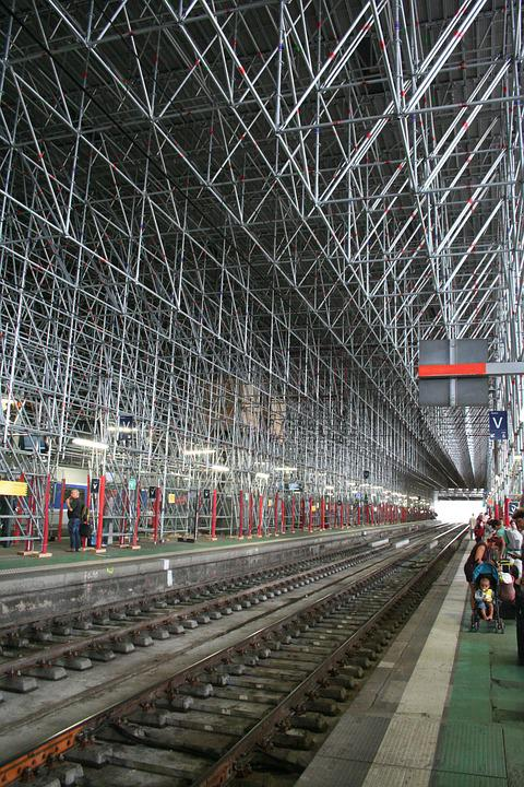 Station, Train, Scaffoldings