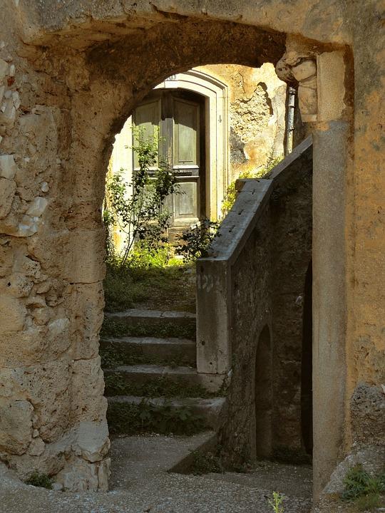 Scale, Molise, Rocchetta Volturno, Borgo, Alley, Door